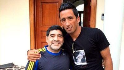 Lucas Barrios recordó la vez que conoció a Diego Maradona en Dubái