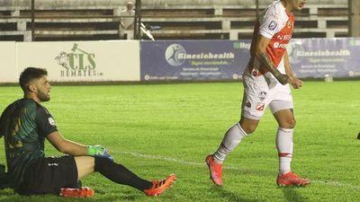River Plate suda más de la cuenta para avanzar de ronda
