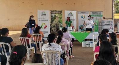 Binacional presentó curso-taller de reciclaje artesanal en Canindeyú