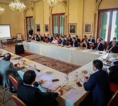 Opositores logran que legisladores participen en visita de Gafilat