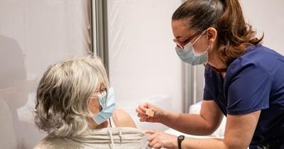 La Nación / Vacuna anti-COVID: Biden dice que recibirá tercera dosis