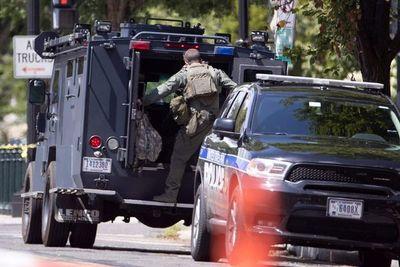 Se rinde hombre que desató amenaza de bomba cerca del Congreso de EE.UU.
