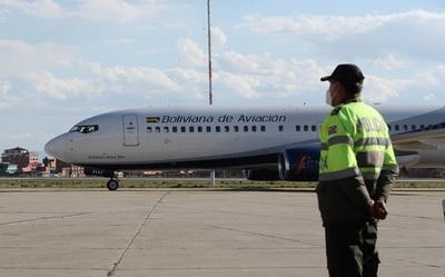 Una huelga parcial deja sin vuelos locales a algunas ciudades bolivianas