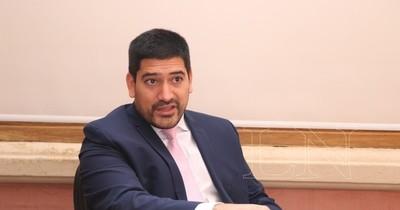 La Nación / Secretario privado de Abdo pide a los medios parar las críticas al Gobierno