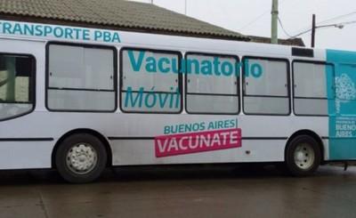 """Buenos Aires comenzó a vacunar """"casa por casa"""" contra el coronavirus"""