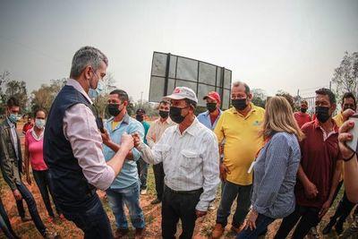 """Mandatario pide trabajar en favor de los que """"necesitan la mano solidaria"""" de sus autoridades"""