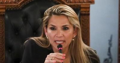 """La Nación / Expresidenta de Bolivia fue acusada por """"genocidio"""""""