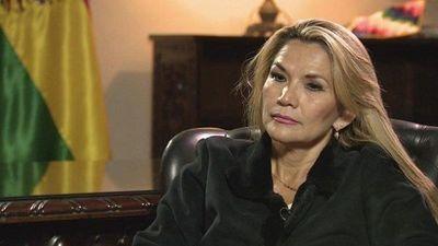 """Fiscalía de Bolivia presenta acusación por """"genocidio"""" contra expresidenta Áñez"""