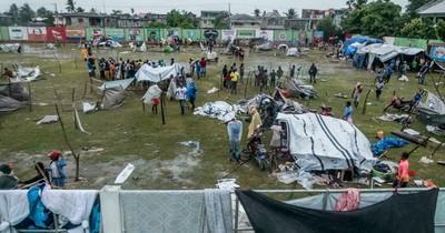 La Nación / Una semana después del sismo, Haití se enfrenta a una emergencia vital
