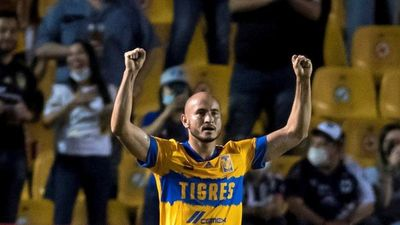 Carlos González se hizo sentir en la goleada de Tigres
