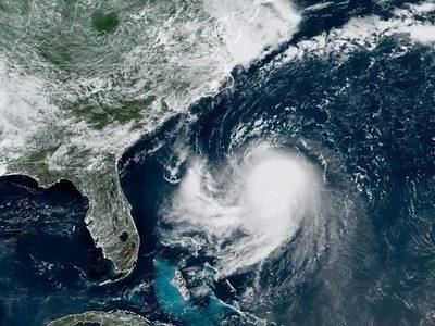 Henri se transforma en huracán en su ruta hacia el noreste de los EE.UU