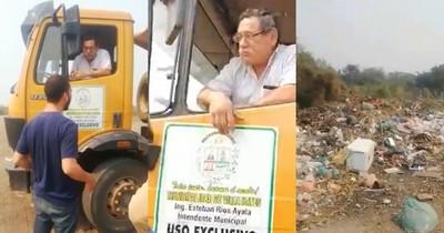 La Nación / ¿Vertedero clandestino? Comuna de Villa Hayes deposita basura en plena vía púbica