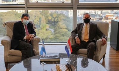 Paraguay solicitó apertura gradual de fronteras con Argentina y aumento de vuelos