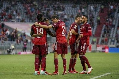 Bayern Múnich sufre para derrotar al Colonia en la Bundesliga
