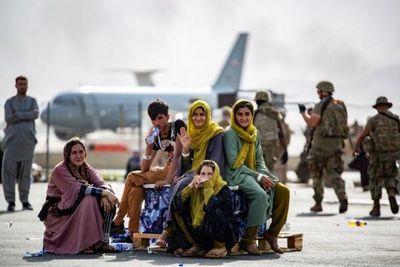 EEUU ordena a aerolíneas comerciales asistir en evacuación