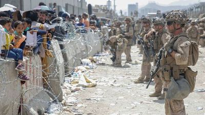Talibanes amenazan que habrá «consecuencias» si EE.UU. no culmina evacuación de Afganistán para el 31 de agosto