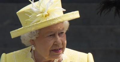 La reina Isabel II prepara batalla legal contra Meghan Markle y el príncipe Harry