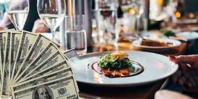 ¡Una gran sorpresa! Un cliente paga 144 dólares en restaurante y deja 10.000 de propina