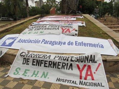 Enfermeros se movilizan mañana miércoles exigiendo reglamentación de la ley que rige la carrera