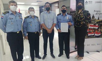 Soto es el primer policía becado para Maestría en el extranjero