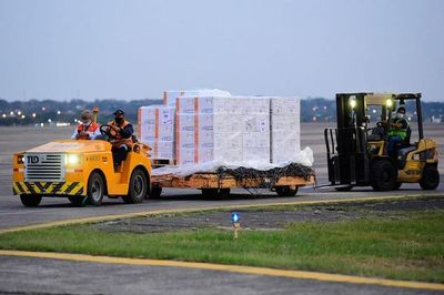 Astrazeneca: llegaron hoy 140.000 dosis para completar esquema