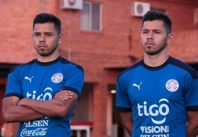 """Los Romero afirman que fueron """"invitados"""" a buscar club"""