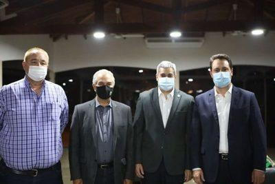 Mario Abdo se reunió con gobernadores de ciudades fronterizas
