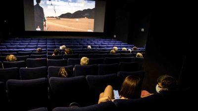 ¿Por qué las películas deben mostrarse primero en los cines y no en plataformas?