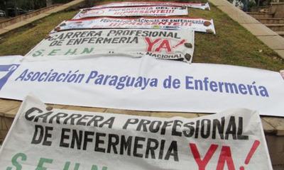Para exigir el cumplimiento de la Ley 6.625 gremio de enfermeras se movilizan