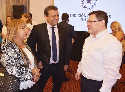 Contadores repudian expresiones de un senador que los vincula al lavado de dinero