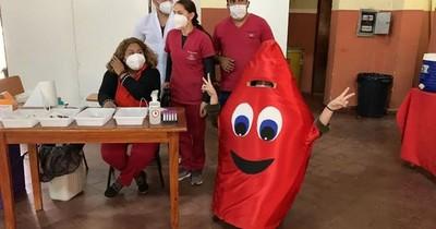 La Nación / Clínicas insta a seguir con donación voluntaria de sangre