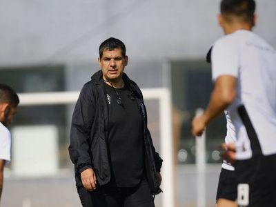 Enrique Landaida cumple: Olimpia entrena desde las 8:00