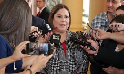 Suspenden audiencia preliminar de Patricia Samudio y su esposo