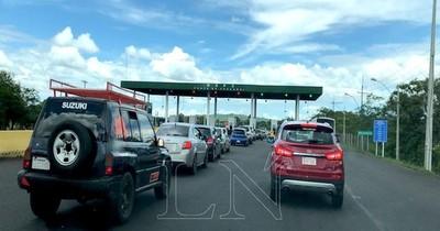 """La Nación / Proponen suprimir puestos de peaje y trasladar """"impuesto vial"""" a combustibles"""