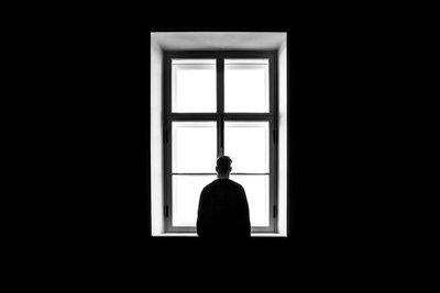 """""""La monstruosa soledad viene por mí de nuevo"""""""