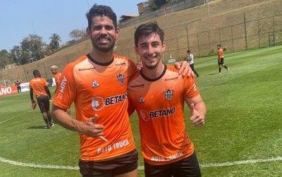 Diego Costa entrena junto al 'Hulk paraguayo' en el Atlético Mineiro