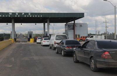 Pretenden suprimir puestos de peajes y crear un impuesto al tránsito vehicular