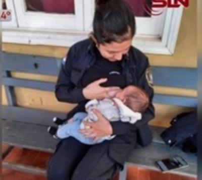 Policía amamanta a bebé de detenida en San Lorenzo