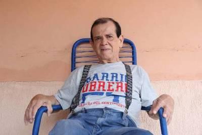 """""""El hombre de las mil voces"""" ya brilla en el cielo: murió el humorista Carlitos Vera"""