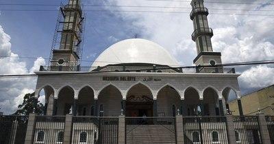 La Nación / Centro Islámico y Obispado son evaluados por Gafilat en el Este