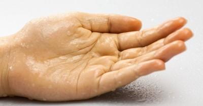 Científicos logran transformar el sudor de las manos en electricidad