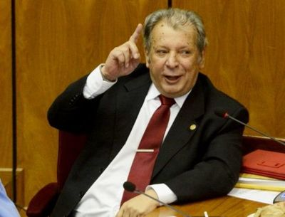 "Presidente del Congreso acusa a ""Calé"" Galaverna de haber aceptado dinero de Cartes por favores políticos"