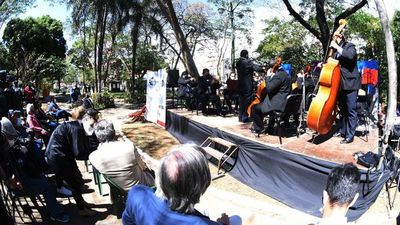 Con música celebran  Día de la Guarania  en plaza pública
