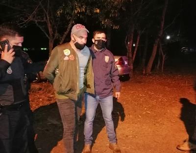 Detienen a sospechoso de la muerte de dos policías