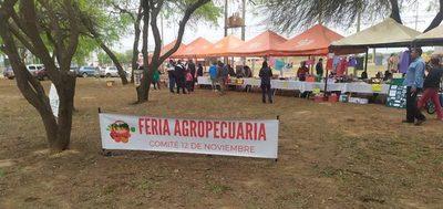 Realizan feria agropecuaria en Loma Plata