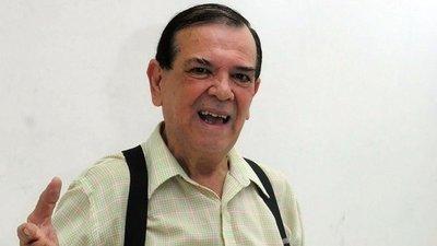 CARLITOS VERA Y SU ÚLTIMO DESEO: SER VELADO CON SU TRAJE DE LENTEJUELAS