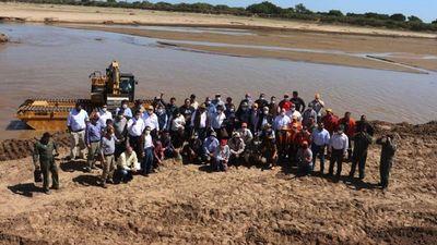 Autoridades y pobladores celebran dos años de ingreso de aguas del Pilcomayo