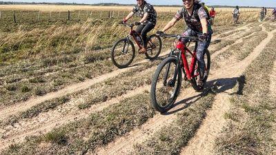 Invitan a un paseo en bicicleta por las vías del tren en Caazapá