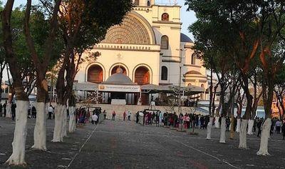 Misa dominical en Caacupé se celebró bajo nuevas disposiciones sanitarias