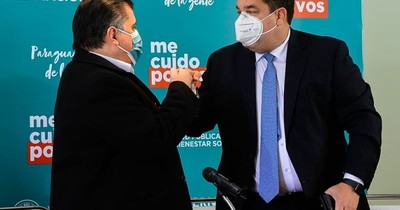 La Nación / Harrison dice que Mazzoleni descartó Pfizer porque optó por Sputnik y AstraZeneca